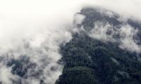 wolken-en-berg-186dee17cb4732b8341a46dd57f5d2a8